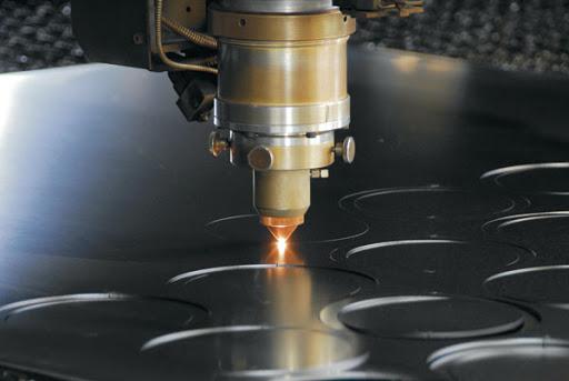 Cắt laser nhôm tấm hiện đại